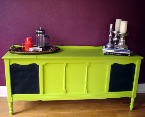 radio-table-via-design-sponge