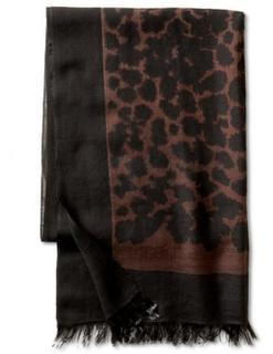 banana-republic-scarf-via-elements-of-style