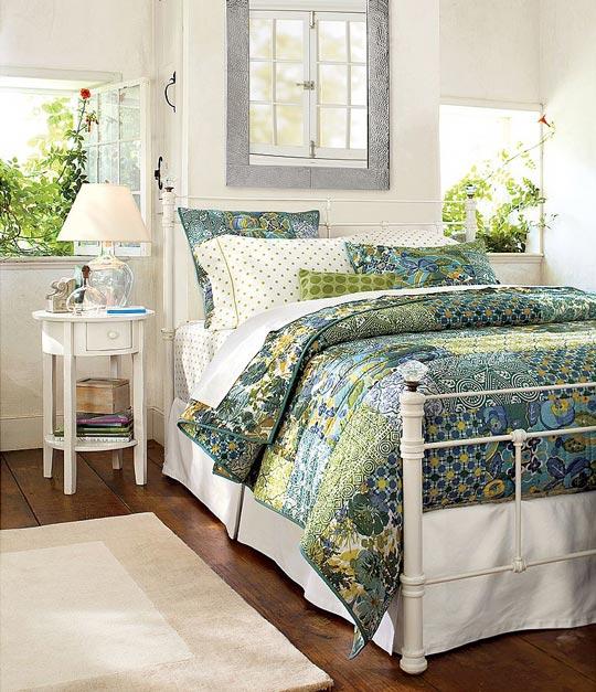 010809dotsbedroom